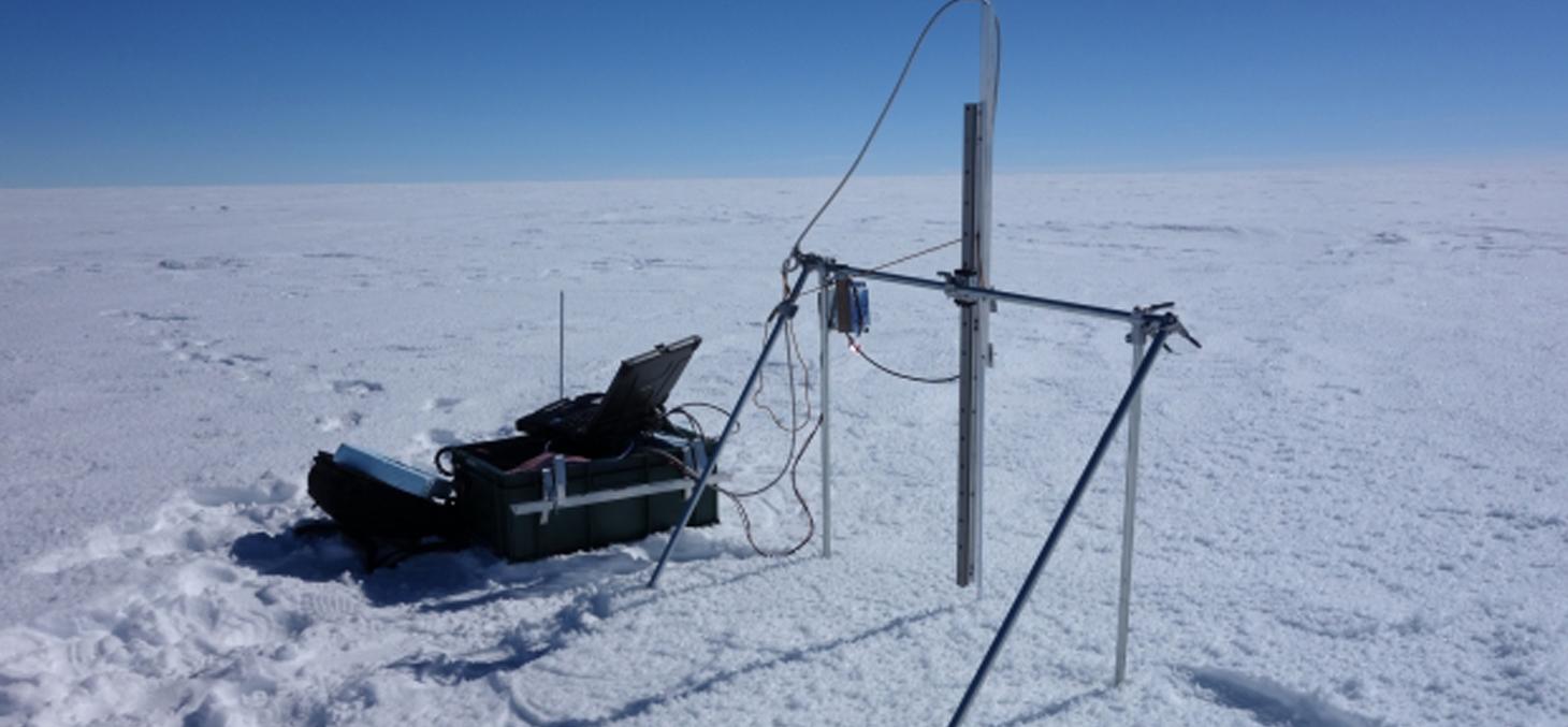 SOLEXS, l'instrument développé au LGGE pour mesurer la décroissance de l'intensité lumineuse dans la neige © Quentin Libois/LGGE