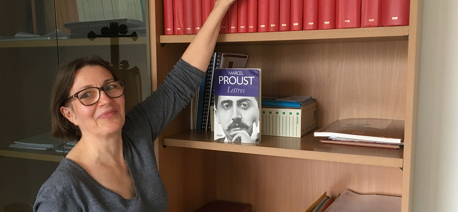 """Françoise Leriche, professeure à l'Université Grenoble Alpes (UGA) et responsable scientifique du projet """"Corr-Proust"""""""