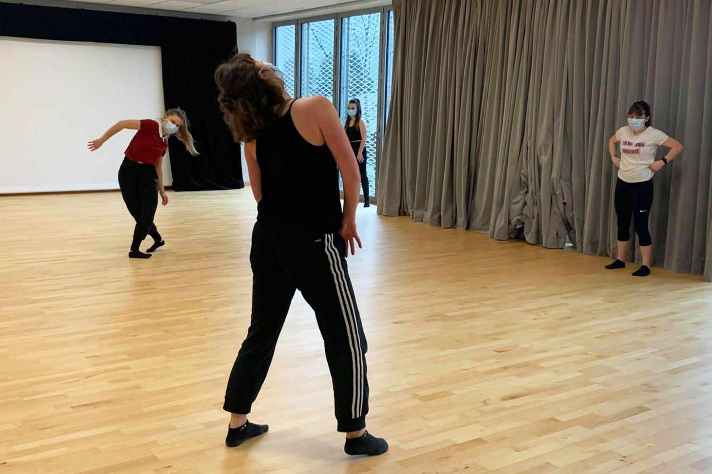 Un atelier danse à l'Espace scénique transdisciplinaire (EST) © Université Grenoble Alpes
