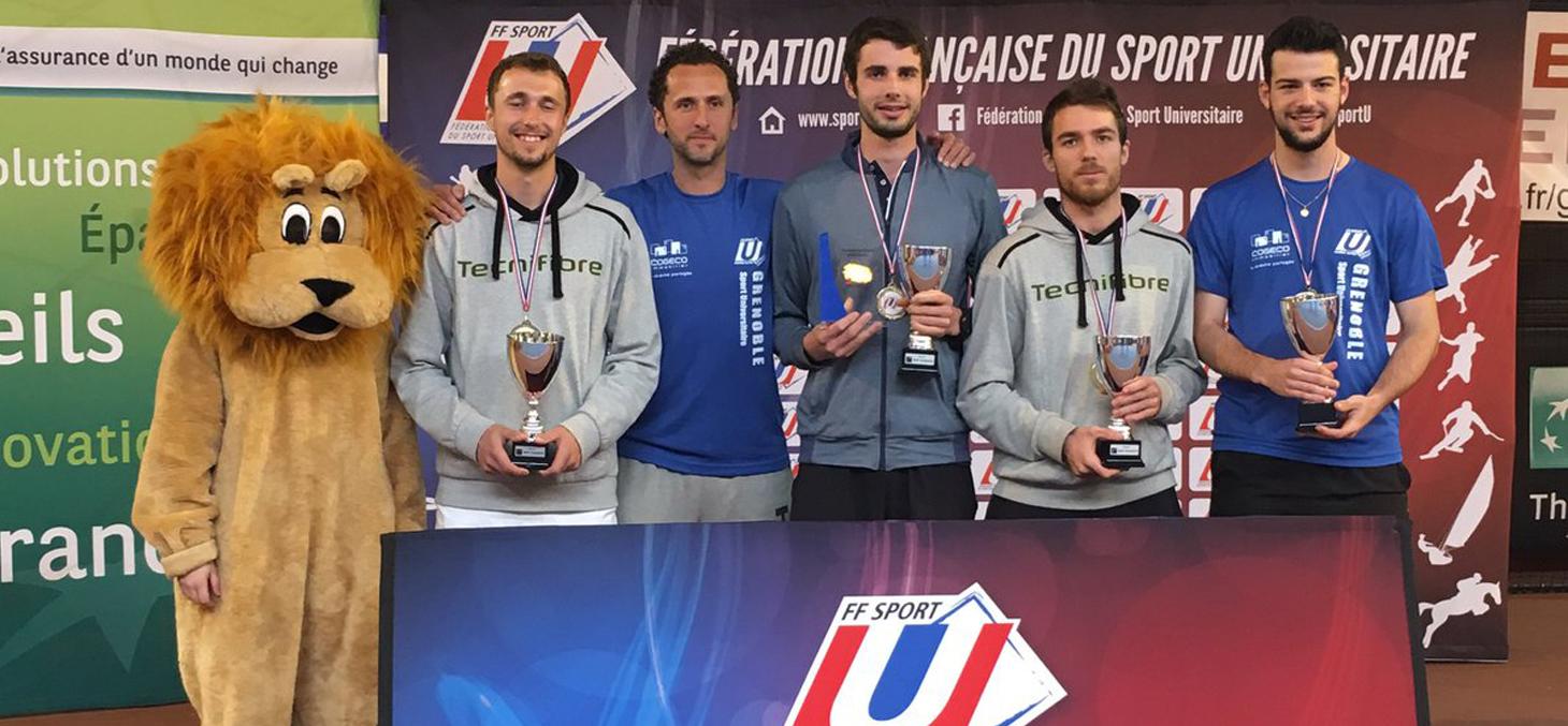 Équipe universitaire grenobloise de tennis au championnat universitaire de France, le 30 mars à Bordeaux