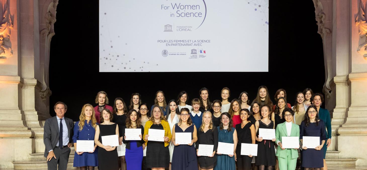"""Cérémonie de remise des bourses L'Oréal-UNESCO """"Pour les femmes et la Science"""""""