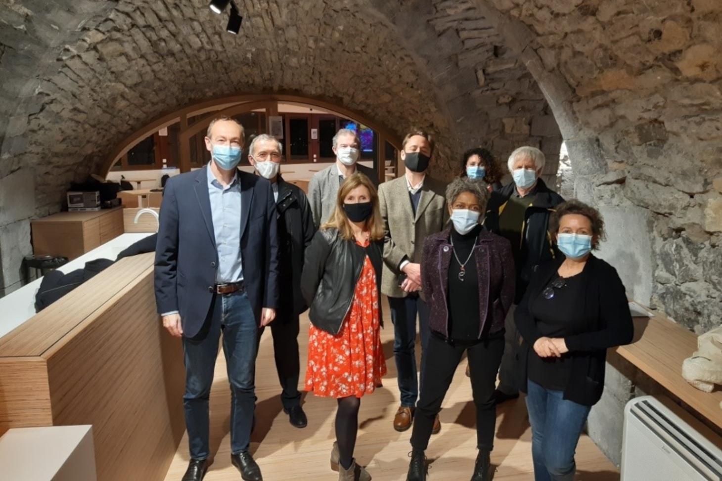 Légende : Une partie du nouveau conseil d'administration de l'EPCC de culture scientifique Grenoble Alpes *