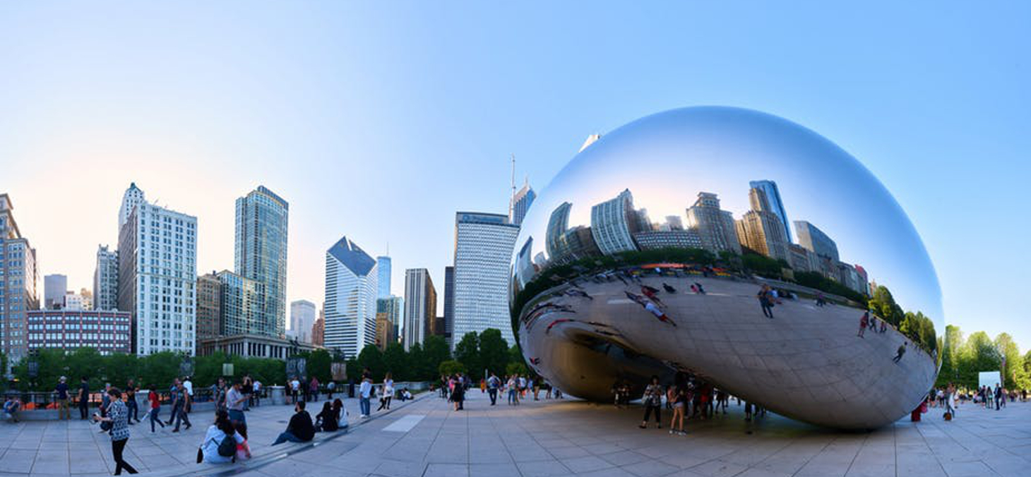 La sculpture monumentale d'Anish Kapoor, au Millenium Park de Chicago. Flickr, CC BY-SA