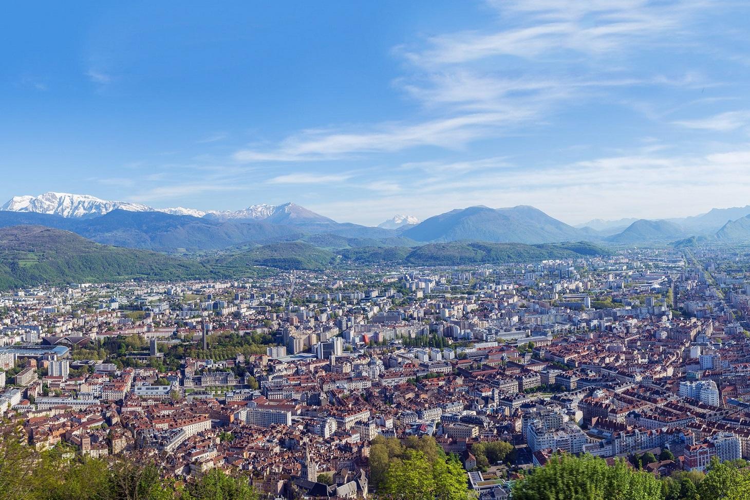 Grenoble vue des montagnes