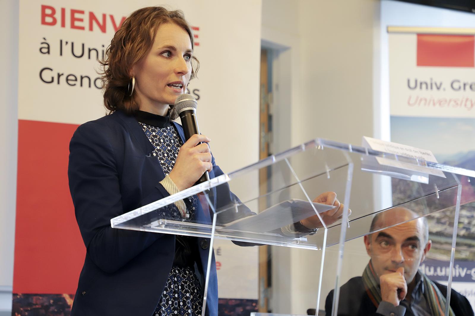 Anca Ailincai, professeure de droit public à l'origine du projet