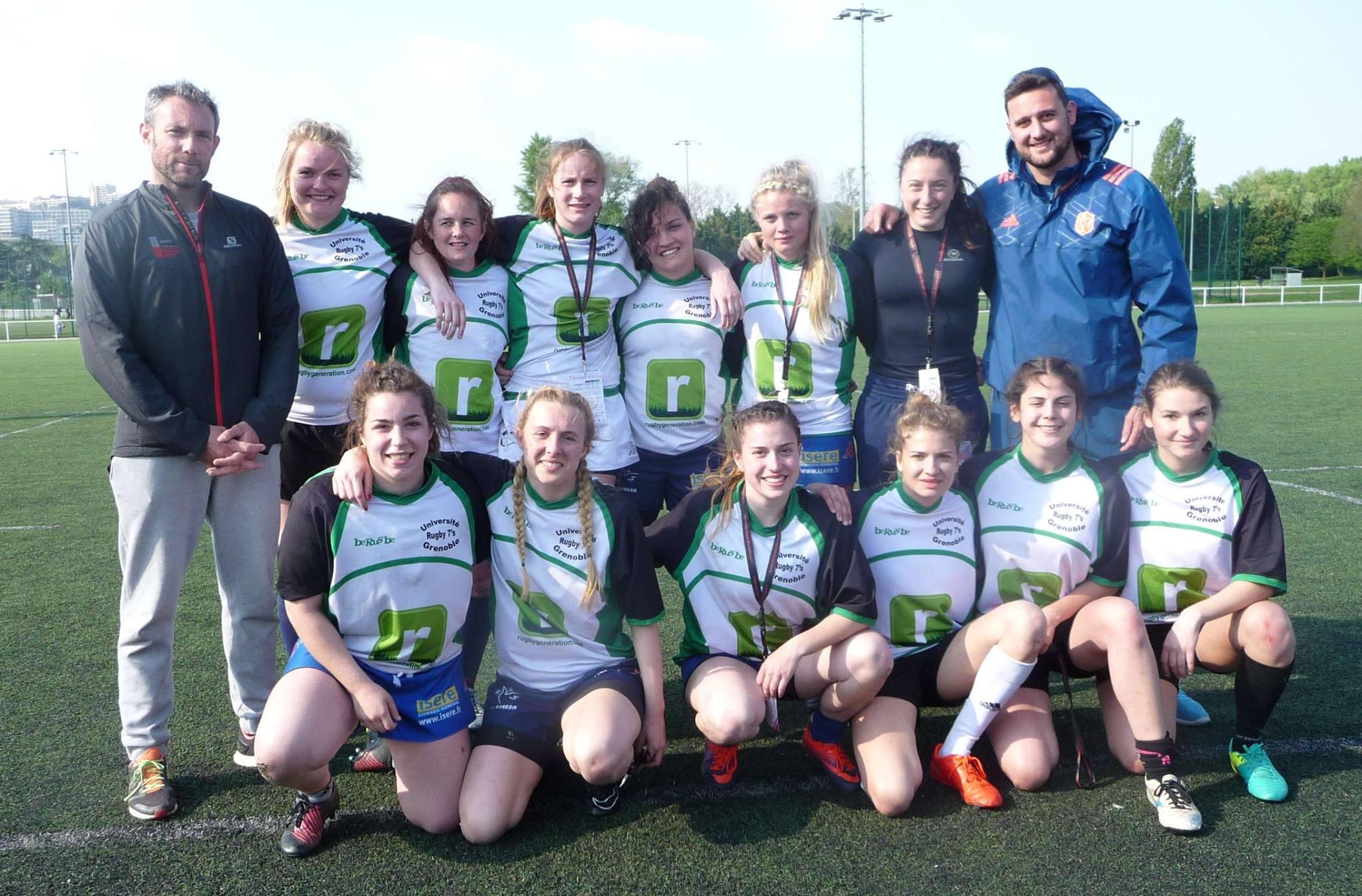 L'équipe féminine de rugby de l'Université Grenoble Alpes au tournoi Ovalyonne