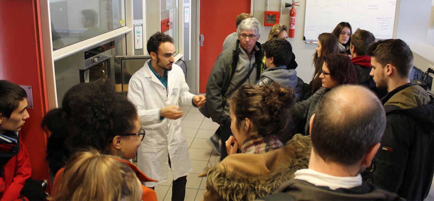 Accueil des étudiants lors de la journée portes ouvertes de Polytech Grenoble