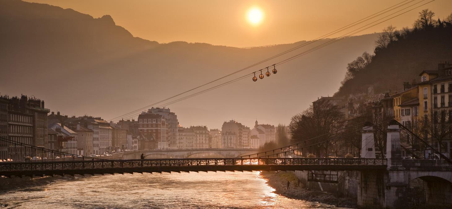 Coucher de soleil sur Grenoble. © Thinkstock
