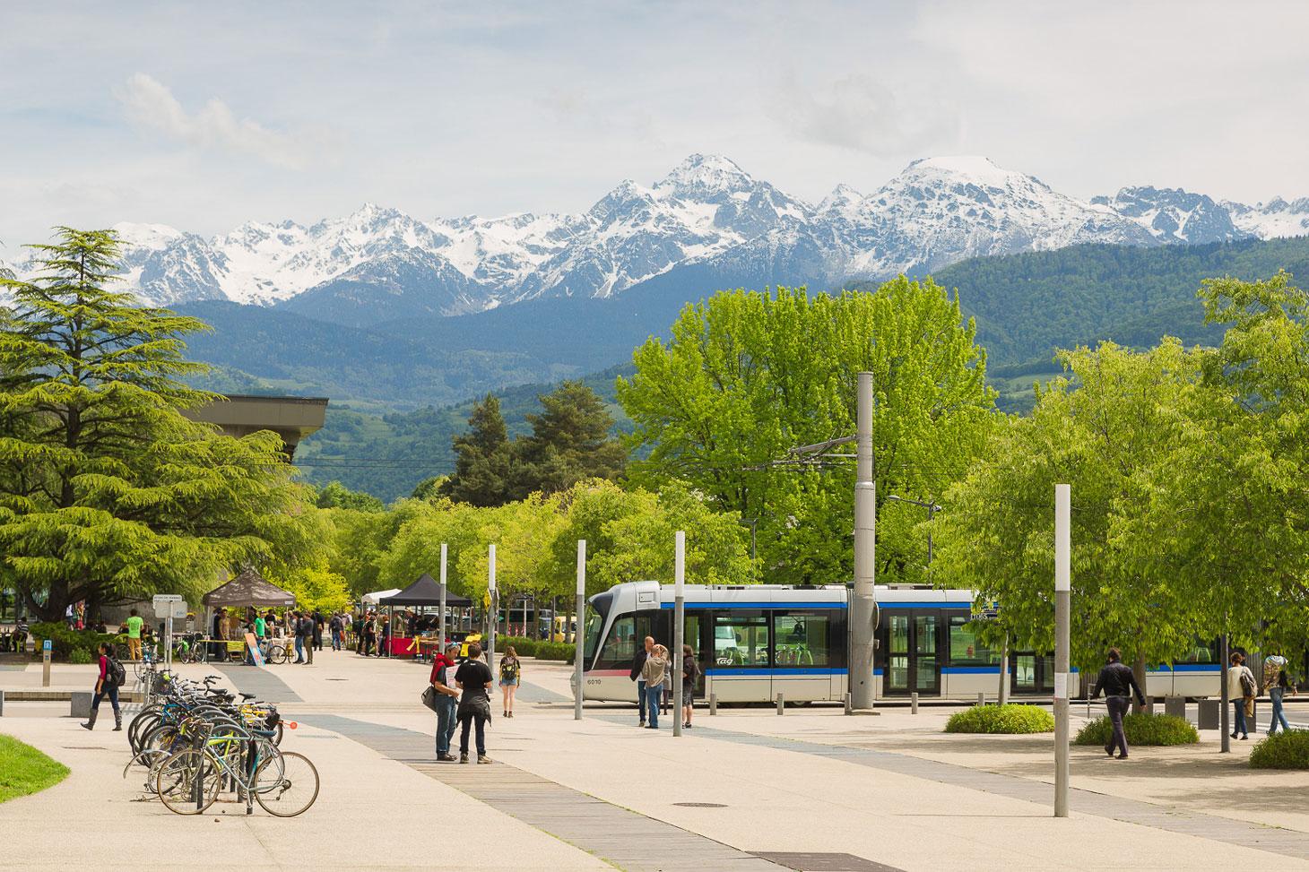 Vue du campus de l'Université Grenoble Alpes © Pierre Jayet